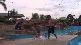 Kick splash!