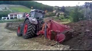 getlinkyoutube.com-Extrem ploughing with Fendt 939.flv