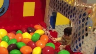 getlinkyoutube.com-The Big Bang Theory Ball Pit scene Stop Motion