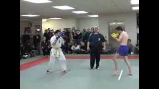 getlinkyoutube.com-Kickboxing vs Karate - Steve Haigh vs Daisuke Maki