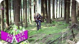 getlinkyoutube.com-Wandern im Wald & Rutsche - Knallerfrauen mit Martina Hill