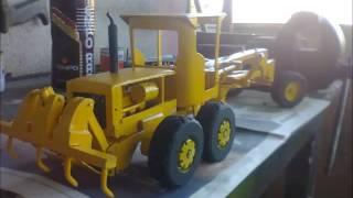 getlinkyoutube.com-Caterpillar 140B miniatura de madeira