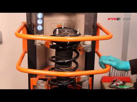 SUZUKI Grand Vitara - FRONT - Передние амортизаторы KYB установка