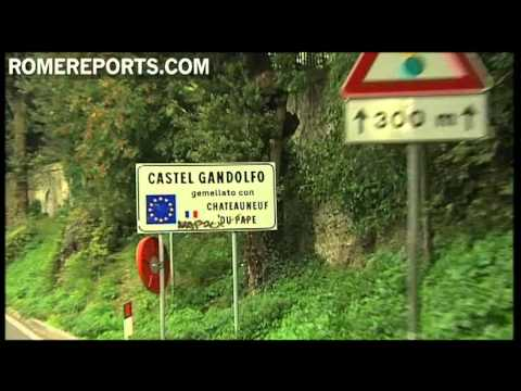 How to arrive at Castel Gandolfo  where the pope spends his holidays