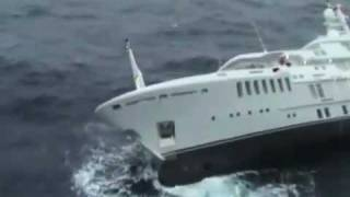 getlinkyoutube.com-The sinking of superyacht Yogi
