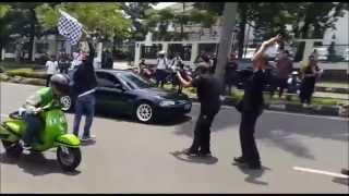 getlinkyoutube.com-Piaggio Vespa vs Honda Estilo