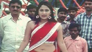 Ankita Glamorous Scene At Shooting Spot || Giliginthalu Movie Comedy Scenes