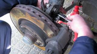 getlinkyoutube.com-Brake pads and Rotor replacement left front brake Mercedes C320 CDI.mov