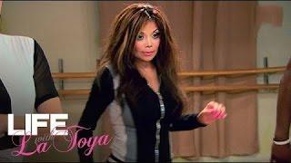getlinkyoutube.com-La Toya Doubts Her Dancing Ability | Life with La Toya | Oprah Winfrey Network