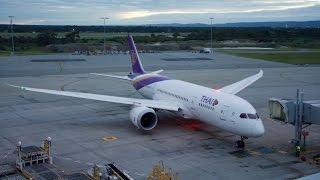 getlinkyoutube.com-Thai Airways Boeing 787 Dreamliner Economy Class Flight Review: TG484 Perth to Bangkok Suvarnabhumi