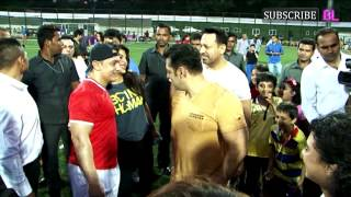 getlinkyoutube.com-Charity Football Match With Aamir Khan and Salman Khan Part 1