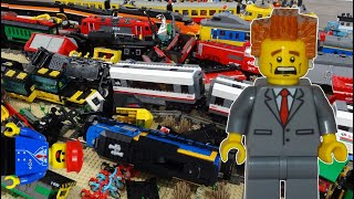 getlinkyoutube.com-Awesome 15 Lego train crash with new Lego Winter Holiday Train