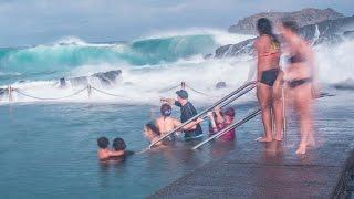 getlinkyoutube.com-Giant waves in Kiama rock pool