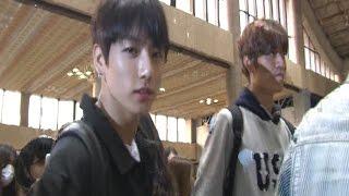 getlinkyoutube.com-[SSTV영상] 방탄소년단(BTS), 여심 사로잡는 패셔너블한 남친룩~ '베이징 잘 다녀올께요' (한중가요제)