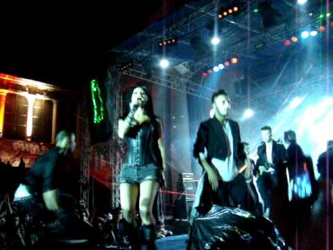 INNA - Club Rocker - Arenele romane 17 mai 2011 LIVE