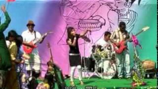 2. Traditional Rakhine (Arakanese) Water Festival- Rakhaine Thungran Live show 2010