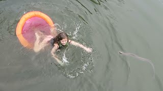 getlinkyoutube.com-Swimming with Snakes (WK 271.2) | Bratayley