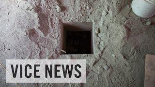 getlinkyoutube.com-Inside El Chapo's Escape Tunnel