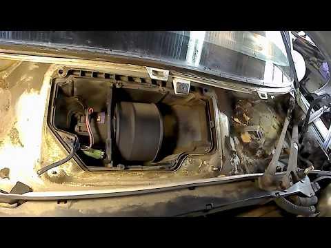 Замена двигателя на обогревателе салона Opel vectra B