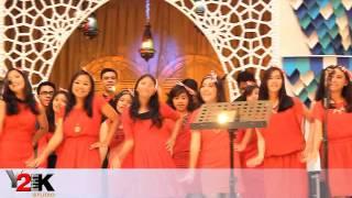 getlinkyoutube.com-Sirih Kuning ( Y2K Choir ) at Baywalk Mall Pluit