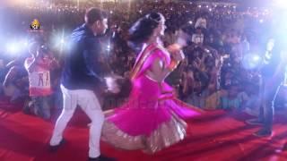 getlinkyoutube.com-Bhojpuri Super Star Pawan Singh & Actress Akshara Singh LIVE Stage Show 2016 Bhivandi