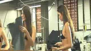 getlinkyoutube.com-Sexy Hot Girl Chelsea Strips Down To Bikini At EckoMFG_3