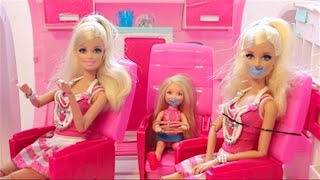 getlinkyoutube.com-Barbie Airplane  Kidnapped Part #1 New Glamour Jet Come Play With إختطاف طائرة باربى