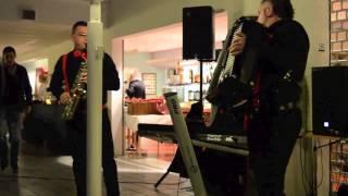 getlinkyoutube.com-GABI MODI - brauri si joc de doi - live  2013