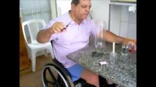 getlinkyoutube.com-Aprenda fazer vasos com garrafa pet vela tesoura e um copo com água