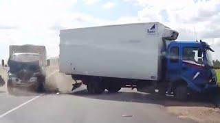 getlinkyoutube.com-【トラック】2015年9月の交通事故動画まとめ。ドライブレコーダー