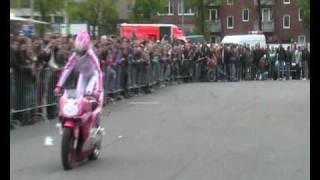 getlinkyoutube.com-Mai-Lin Motorrad Stuntshow - Street Mag Show 2010 Hamburg