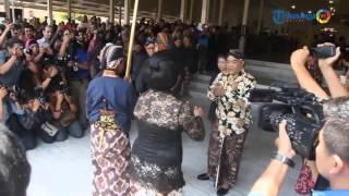 getlinkyoutube.com-Pemberangkatan Jenazah Sri Paduka Pakualam IX