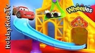 getlinkyoutube.com-Mater Wheelies Roller Coaster with Lightning McQueen Little People Cars 2 HobbyKidsTV