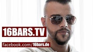 """getlinkyoutube.com-Kollegah über das erste Zuhältertape, Kool Savas & seine Karriere bis zu """"King""""(16BARS.TV)"""