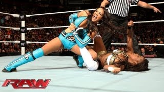 getlinkyoutube.com-Natalya & Naomi & Brie Bella vs. Layla & Alicia Fox & Aksana: Raw, Sept. 9, 2013
