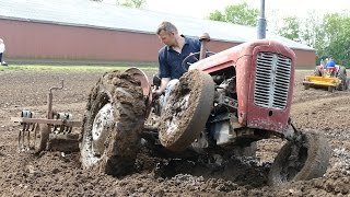 getlinkyoutube.com-Massey Ferguson 35 Struggles To Fill Up Waterhole | Ferguson Days 2016