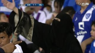 getlinkyoutube.com-مشجعة هلالية معصبة على الحكم في مباراة الهلال والعين 1-2 [ Full HD 1080p ]