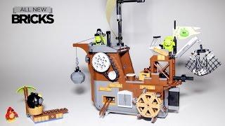 getlinkyoutube.com-Lego Angry Birds Movie 75825 Piggy Pirate Ship Speed Build