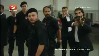 getlinkyoutube.com-عاكف ينقذ أصحابه مسلسل الفريق الأول