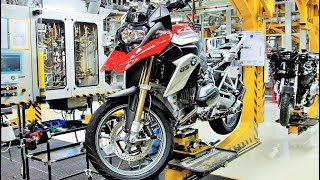 getlinkyoutube.com-BMW Motorcycle Assembly - Berlin Plant