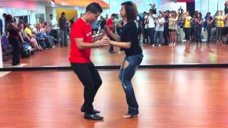 getlinkyoutube.com-Dominican Style Bachata - El Tiguere and Serena Cuevas