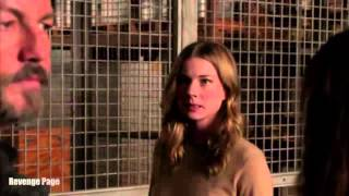 "getlinkyoutube.com-Revenge  4x13 ""Abduction"" Emily's First Fight Scene"