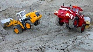getlinkyoutube.com-RC Radlader CTI-Bruder Liebherr L574, O&K L25 BAGGERN TIEFES LOCH | Wheel loader DIGGING DEEP HOLE