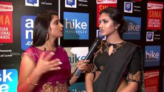 getlinkyoutube.com-Amala Paul Talking About her Mukkera (Nose Ring) | Red Carpet | SIIMA 2015 | Telugu