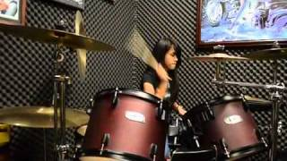 "getlinkyoutube.com-Drum Cover ""Hysteria-Muse"" By Nike"