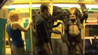 getlinkyoutube.com-Alien Vs Predator let loose in London