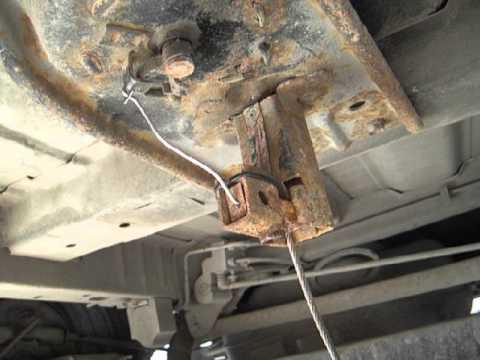 Dodge Caravan 4 2001гв: механизм опускания запаски