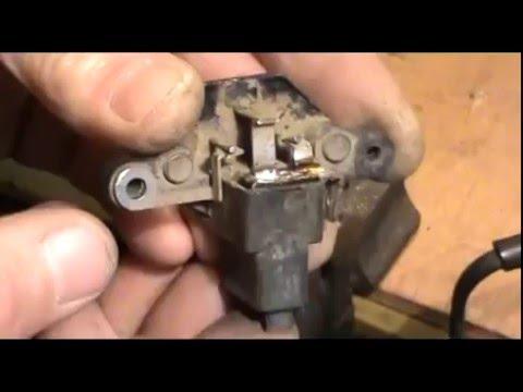 Где находятся щетки генератора у Крайслер Крайслер
