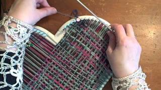 How to weave a heart on the Martha Stewart Loom by Noreen Crone-Findlay (c).avi