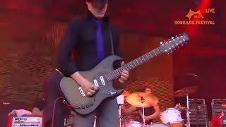 getlinkyoutube.com-Queens of the Stone Age - Roskilde 2013 (Full concert)